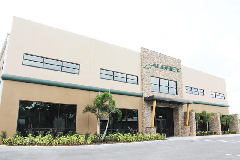 Aubrey luonnonkosmetiikka valmistetaan Floridan Tampassa