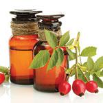 Luonnonmukainen kylmäpuristettu öljy sisältää runsaasti C vitamiinia, antioksidantteja sekä ihosolujen uusiutumiselle välttämättömiä rasvahappoja linoli ja linoleenihappoja.